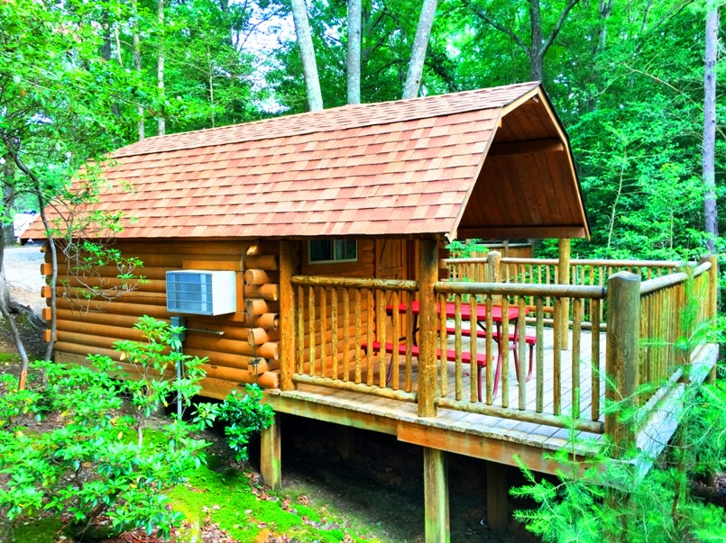 Williamsburg KOA cabin to rent at campground